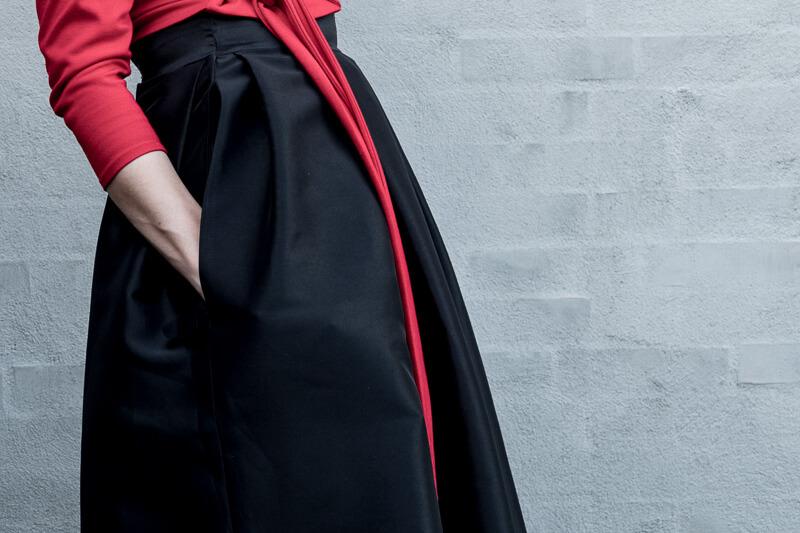 Pleated midi skirt B6556