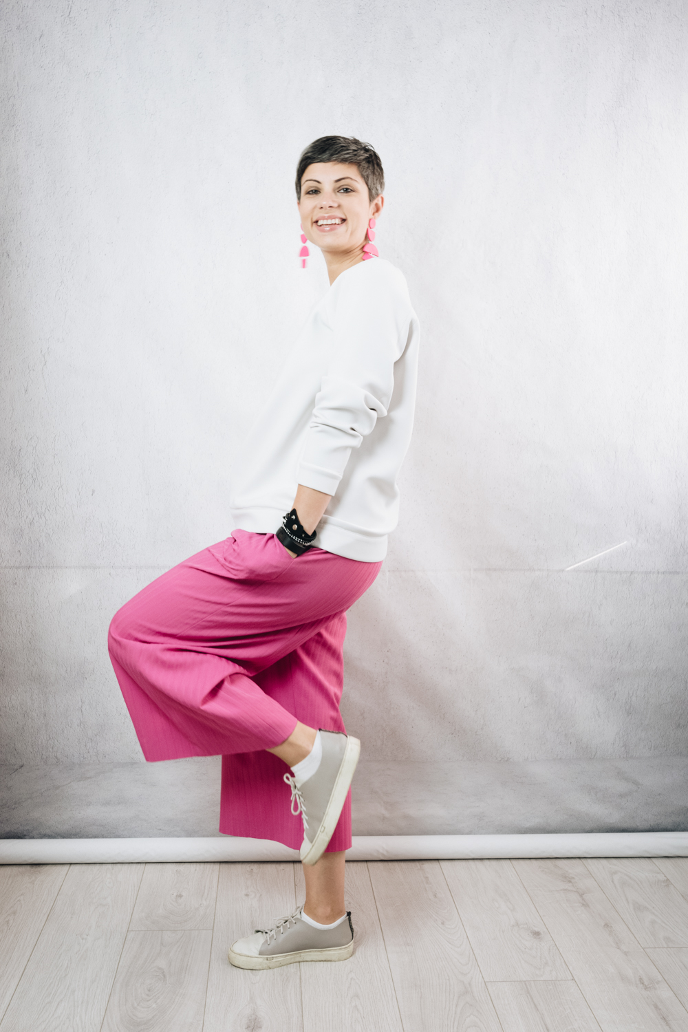 White scuba sweatshirt (RTW); DIY pink culottes; Sneakerkit DIY leather trainers; Handmade polymer clay earrings